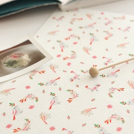 Pelteuji模式)粉红色的鸟