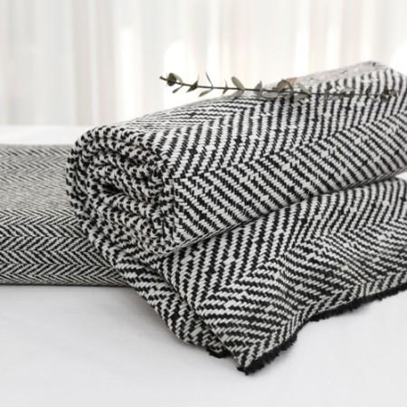 显著 - 羊毛混纺织物)黑及白色(2种)